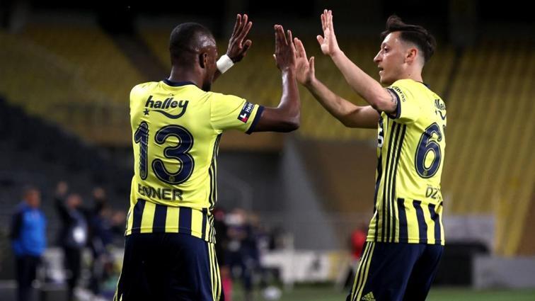 Mesut Özil Erzurumspor maçında kalitesini konuşturdu