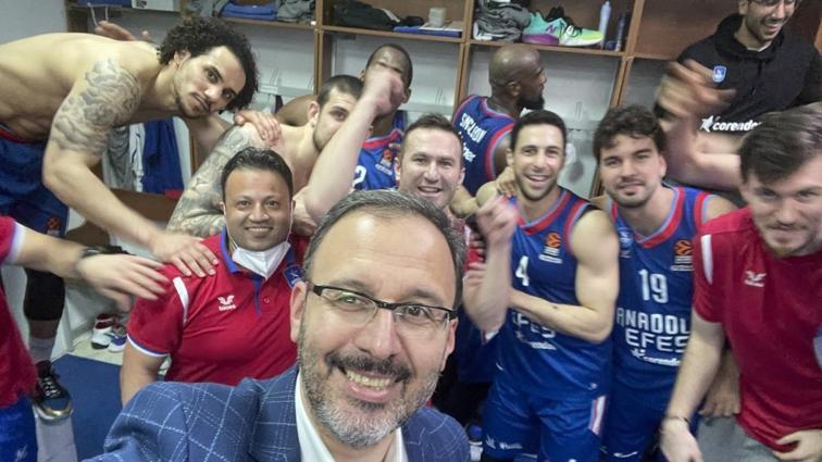 Gençlik ve Spor Bakanı Kasapoğlu: İkinci şampiyonluğumuzu Anadolu Efes ile alacağız inşallah