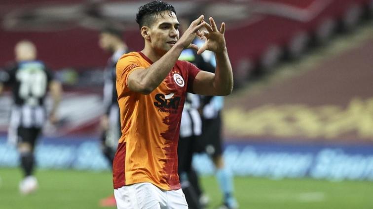 Radamel Falcao ilk 11'e golle döndü