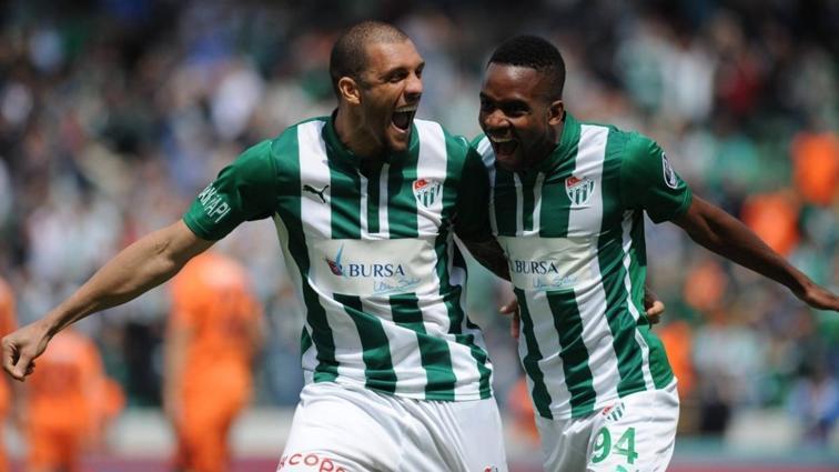 Son dakika transfer haberi: Fenerbahçe için Cedric Bakambu iddiası