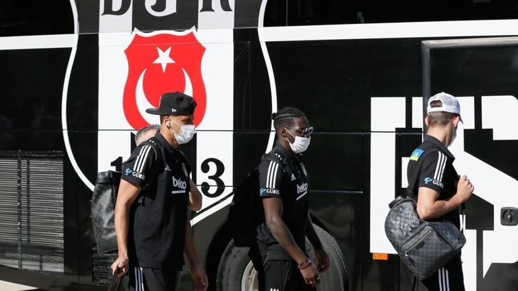 Beşiktaş kafilesi İzmir'e ulaştı