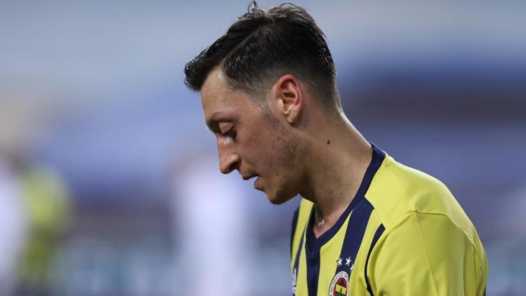 Fenerbahçe'nin yıldızı Mesut Özil'in ABD seçeneğini gündeme getirdiği öne sürüldü