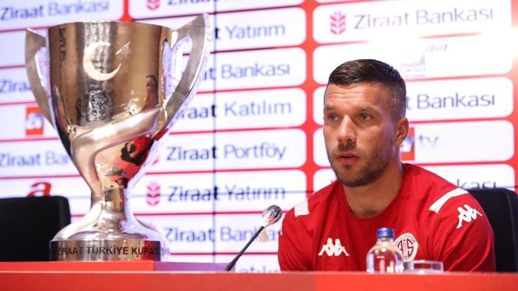 Lukas Podolski: Tavşan gibi saklanmaya değil kazanmaya geldik