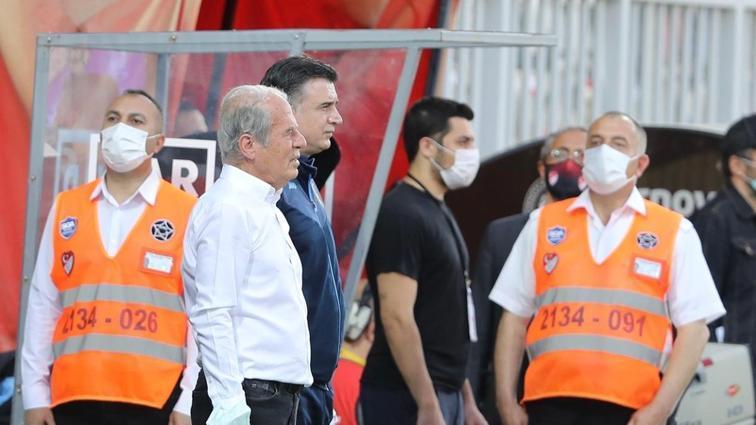 Mustafa Denizli: Futbolcularım biraz üzüldü