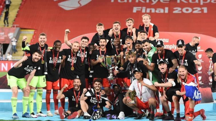 Ziraat Türkiye Kupası şampiyonu Beşiktaş, kupasını aldı