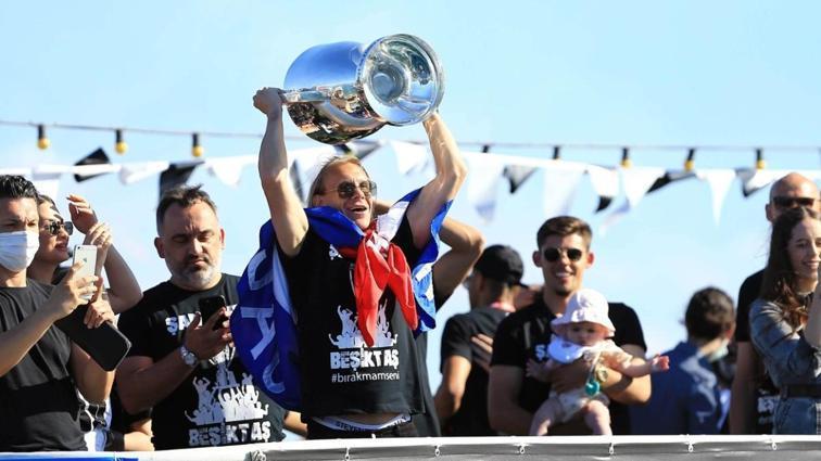 Kara Kartal'ın kupa bayramı