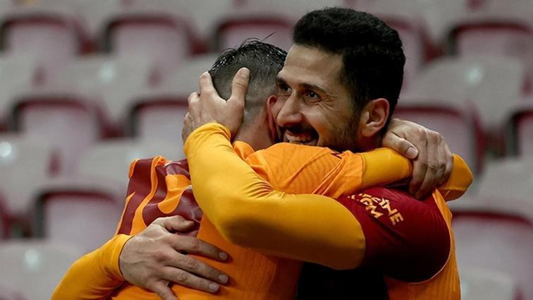 Galatasaray, Emre Akbaba ve Ömer Bayram'la anlaşma sağladı