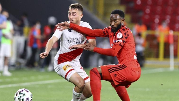 PFDK'dan Beşiktaş ve Antalyaspor'a ceza