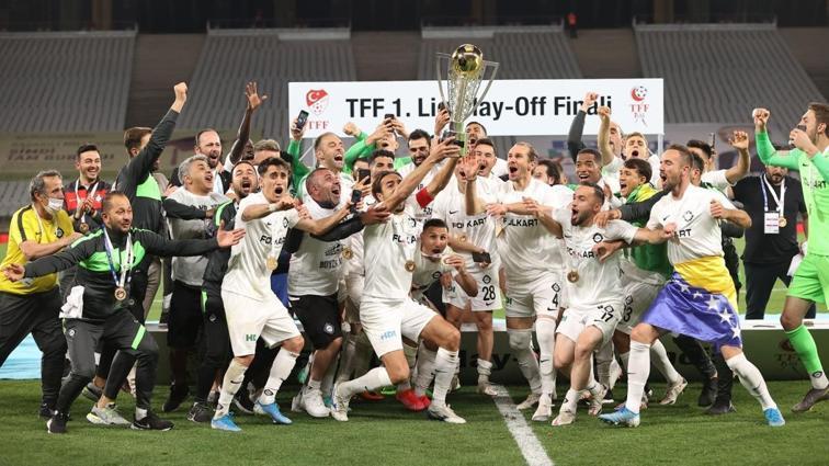 Altay, 18 yıl sonra yeniden Süper Lig'de!