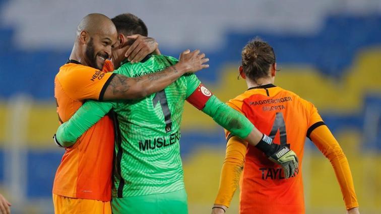 Son dakika Galatasaray haberleri... Sarı-kırmızılılarda ıslak imza problemi!