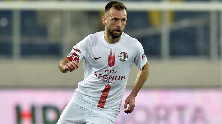 Antalyaspor, Hakan Özmert ile 1 yıllık yeni kontrat yaptı