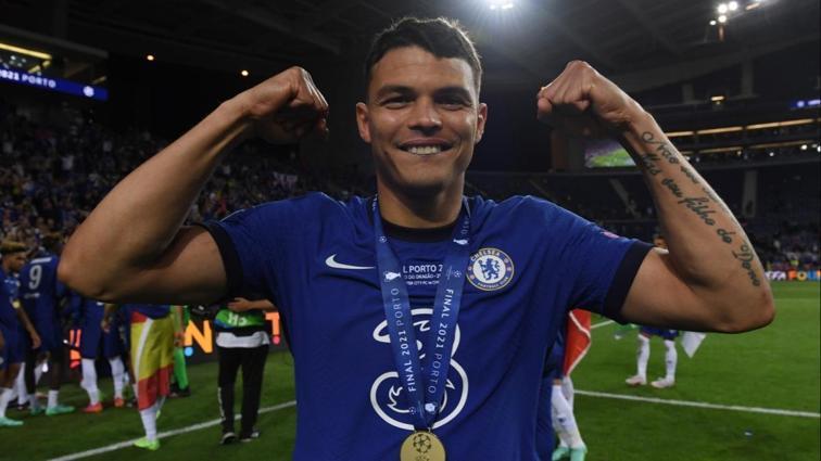 Thiago Silva, 1 yıl daha Chelsea'de