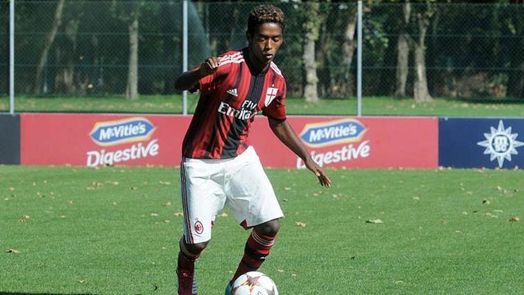 İtalya'yı ayağa kaldıran ölüm! Eski futbolcu Seid Visin, ırkçı saldırılar sonucu intihar etti