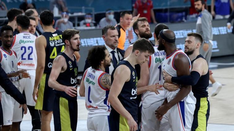 Fenerbahçe Beko ile Anadolu Efes arasındaki final serisinin 3. maçı yarın oynanacak