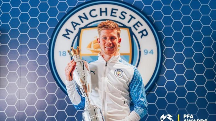 Kevin De Bruyne, üst üste ikinci kez İngiltere'de yılın futbolcusu seçildi