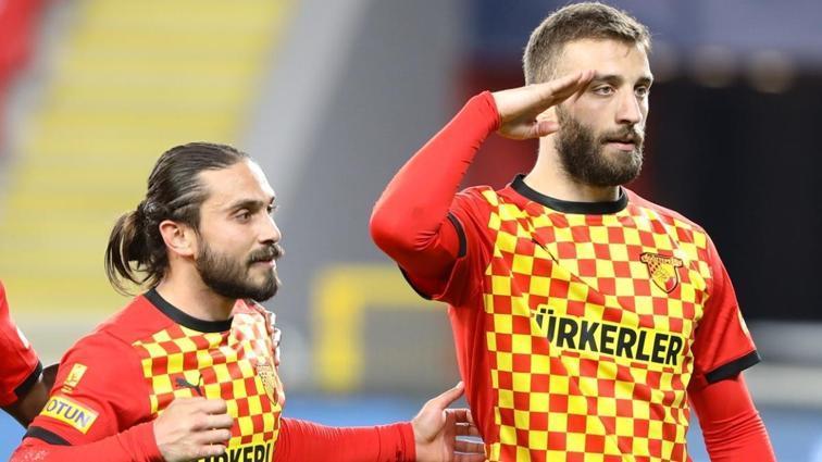 Galatasaray, Aytaç Kara ve Alpaslan Öztürk ile 3'er yıllık sözleşme imzaladı