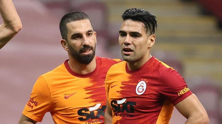 Galatasaray'da koronavirüse yakalanan Radamel Falcao idmana katılmadı