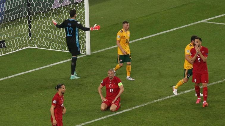Her şey bitti gibi: EURO 2020'de büyük hayal kırıklığı... Türkiye 0-2 Galler