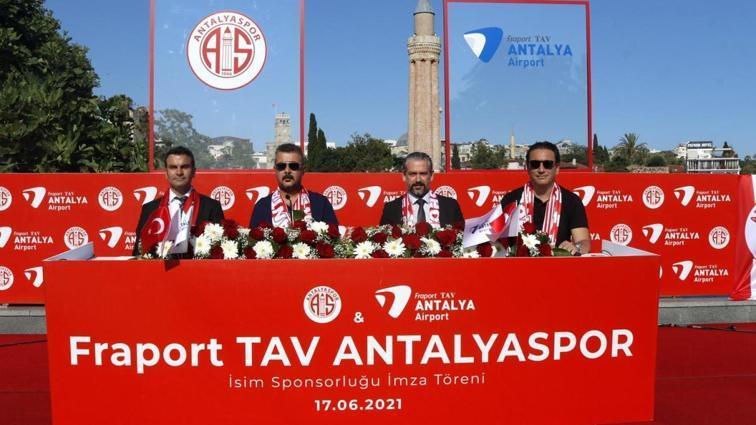 Antalyaspor isim sponsoruyla 1+1 yıllık sözleşme uzattı