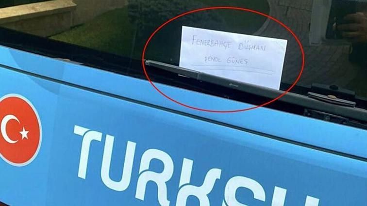 Milli Takım otobüsüne bırakılan 'Fenerbahçe düşmanı Şenol Güneş' notu gündem oldu
