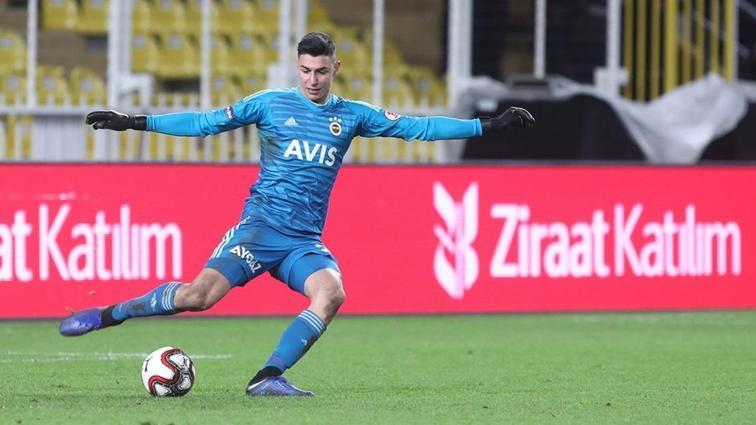 Fenerbahçe Berke Özer ile devam etmeye karar verdi