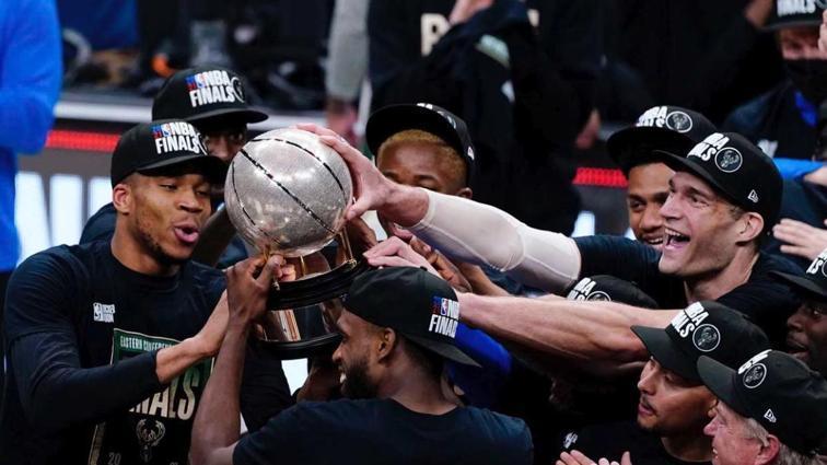 Milwaukee Bucks, seriyi 4-2 kazanarak NBA finaline yükseldi