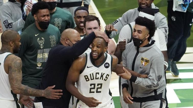 Milwaukee Bucks, NBA final serisinde durumu 2-2'ye getirdi