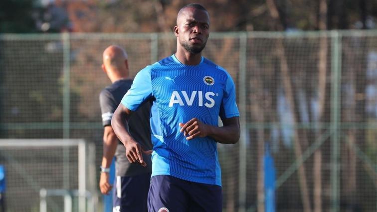 Fenerbahçe'de Valencia takıma katıldı