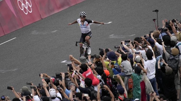 Ekvador tarihinin 2. olimpiyat altın madalyası Richard Carapaz'dan