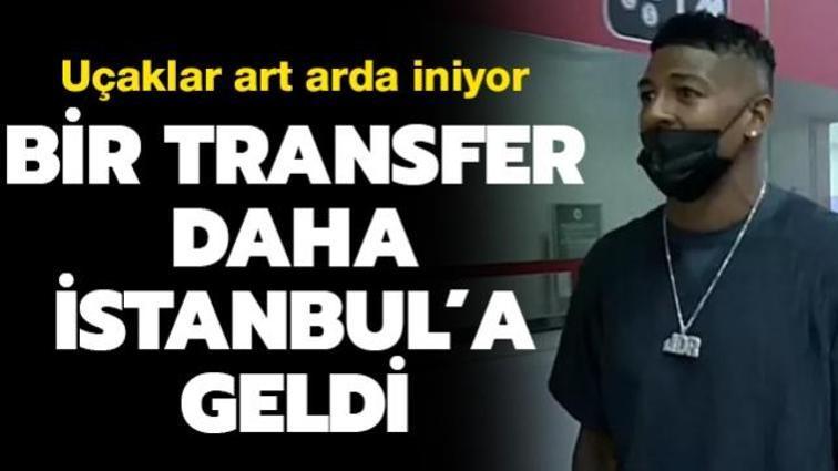Galatasaray'ın yeni sol beki Patrick van Aanholt İstanbul'a geldi