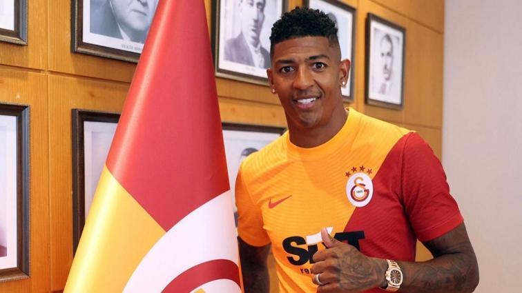 Aslan'ın solu 3 yıl ona emanet: Patrick Van Aanholt resmen Galatasaray'da