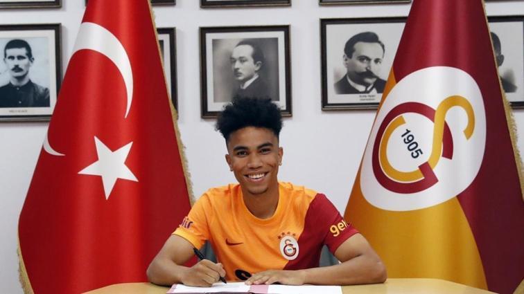 Galatasaraylı Assunçao'ya ilk tebrik Alex de Souza'dan geldi